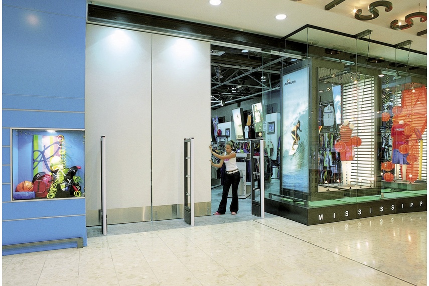 Sliding and folding solutions for doors weighing up to 500kg