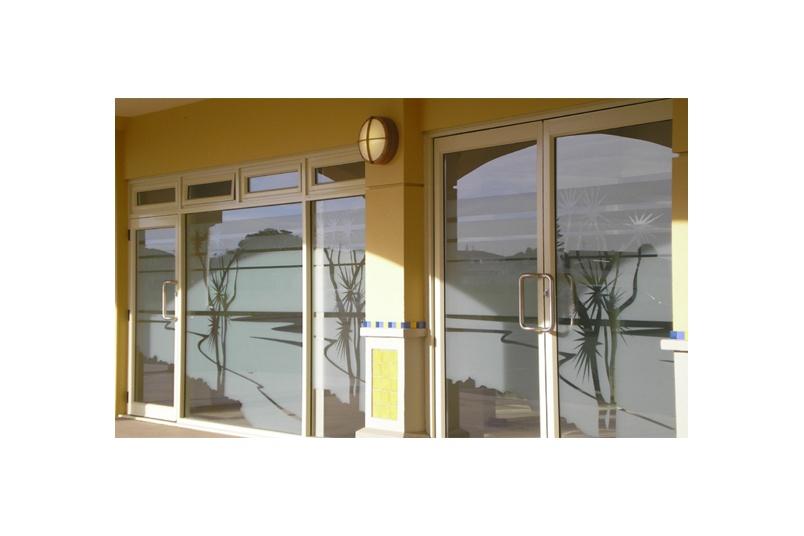 Papamoa Beach Plaza 2007 – 3M Dusted crystal film