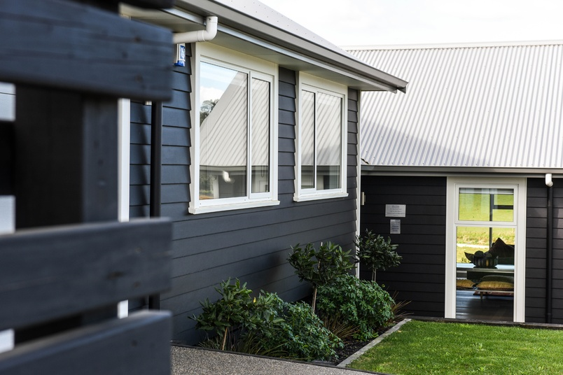 Linea® Weatherboard is resistant to fire, moisture damage and rot.