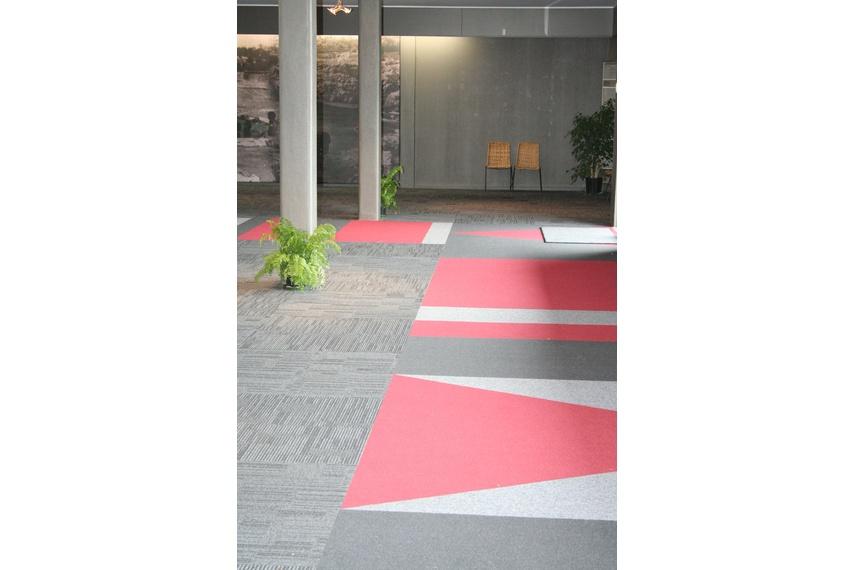 Equilibrium II carpet tile –floor to wall