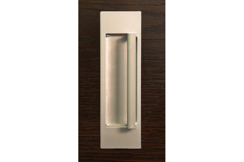 HB678 170mm Flush D Pull handle is useful where flush mounting is required, but the additional grip of a handle is desirable.