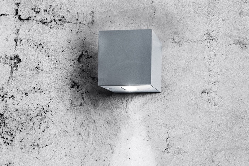 Cube – Silver RAL9006 polyester powder coated