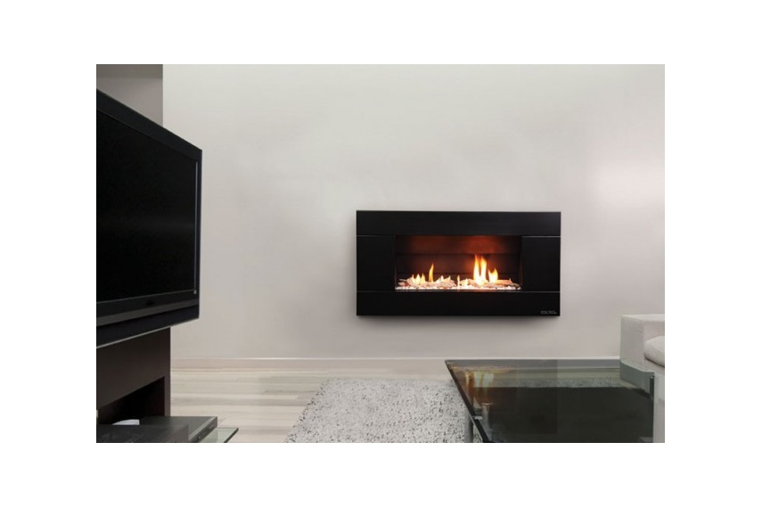 Escea ST900 gas fireplace (Volcanic Black Ferro fascia and Driftwood fuel bed).