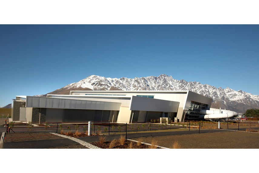 Queenstown Aquatic Centre, Queenstown, using Kingspan's Trapezoidal Roof Panel (KS1000 RW ) and  Architectural Wall Panel (KS1000 FL).  Kingspan insulated wall panels offer architects unprecedented freedom of design.