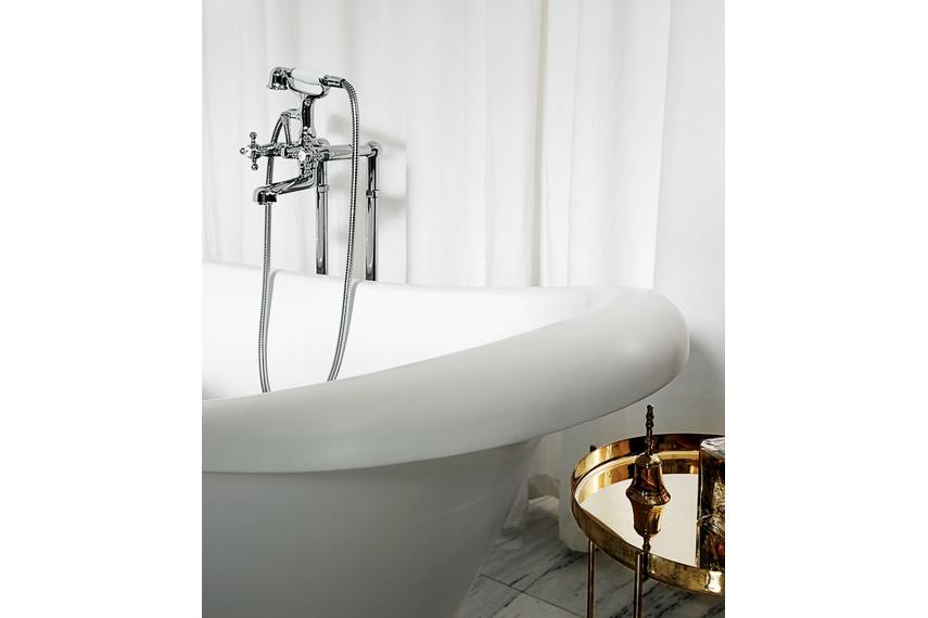 Agora bath column.