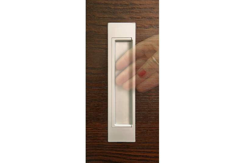 HB678 170mm Flush D Pull handles are suitable for sliding doors, pivot, or bi-fold doors and cabinetry.