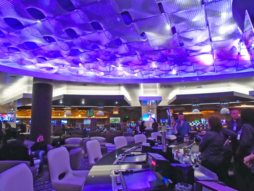 Kaynemaile creates ceiling for MGM Grand Detroit AXIS lounge