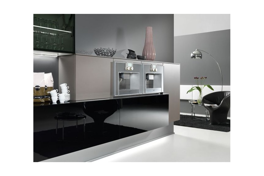 design kitchen italian%0A Cambia kitchen  split levels design featuring white and wood grain fronts   for modern living