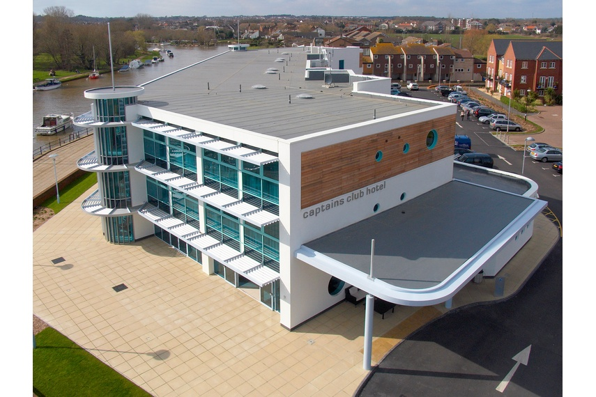 Kingspan insulated panels provide building envelope solutions combining aesthetics, longevity and thermal insulation.