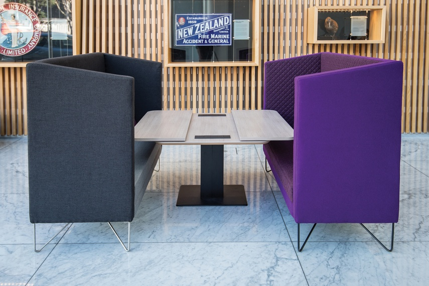 Shift Split table (open) with Escape soft seating.