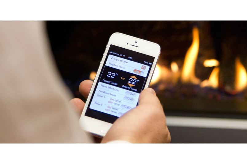 The Escea DX and DL Series fireplace can be operated remotely via a Smart Heat app.