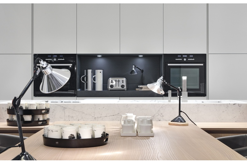 Varenna kitchens can be fully customized with the addition of exclusive accessories.