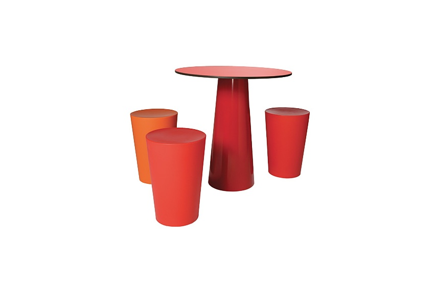 Moooi Container table and stool